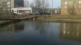 Завалился пешеходный мост через р. Кылшакты. Кокшетау, 9 апреля, 2017